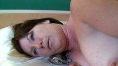 Maman sodomisee à l'hôtel par un jeunot équipé d'une grosse bite