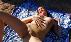 sex nudiste sur une plage naturiste
